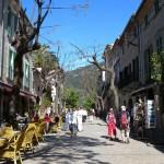 Узкие улочки Вальдемосы (valledemossa)